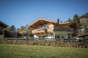 Immobilien Kitzbuehel Tirol Villa Luxusimmobilie_ac987-1-300
